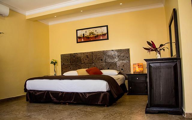 Habitación con una sola cama
