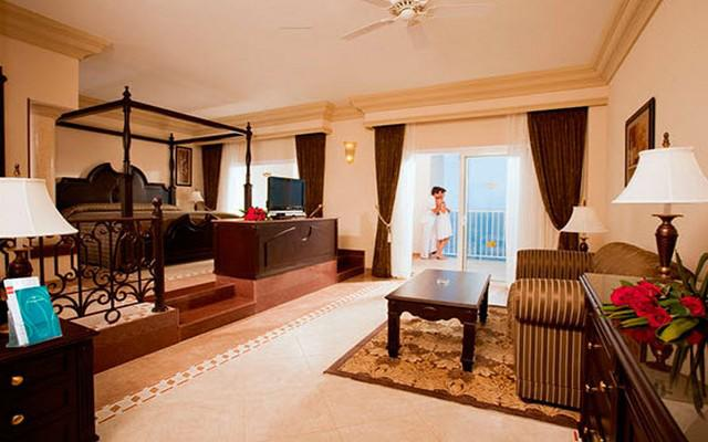 Hotel riu emerald bay mazatl n ofertas todo incluido for Habitacion familiar hotel riu vallarta