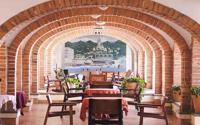 Rosita Hotel Puerto Vallarta, disfruta tus alimentos en excelente compañía