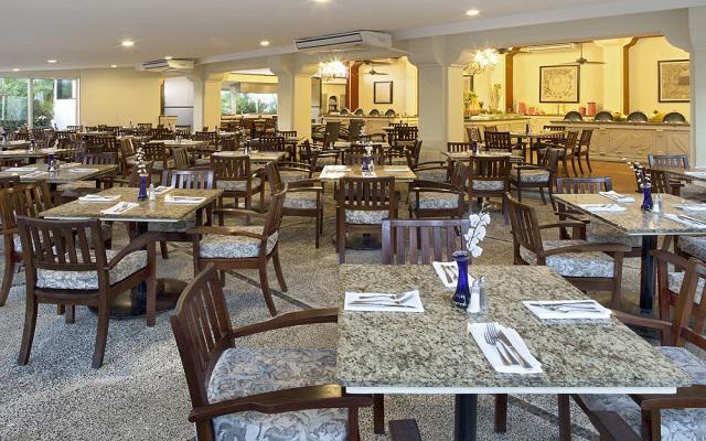 Samba Vallarta, Restaurante La Hacienda