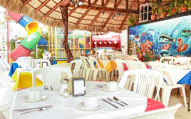 Sands Acapulco Hotel & Bungalows, escenario ideal para tus alimentos