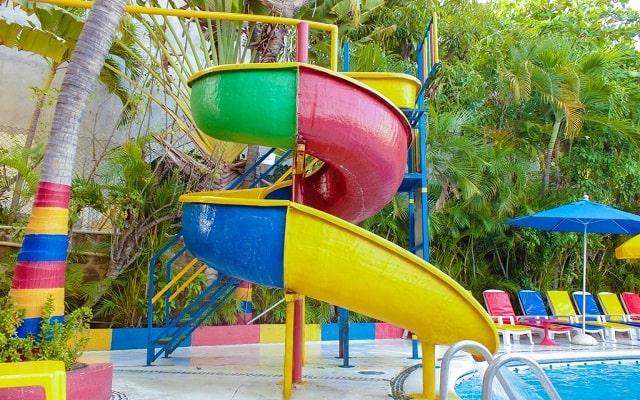 Sands Acapulco Hotel & Bungalows, hotel familiar