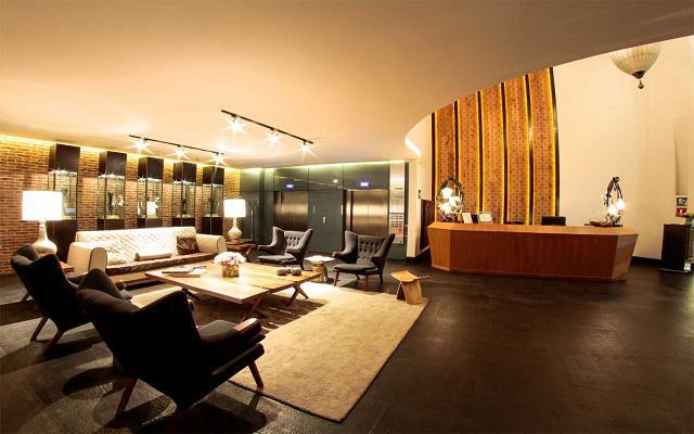 Square Small Luxury Hotel, iInstalaciones con estilo moderno-minimalista