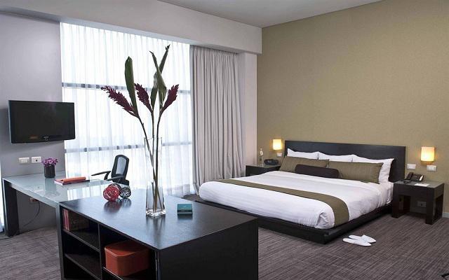 Goza de sus lujosas camas y elegantes instalaciones