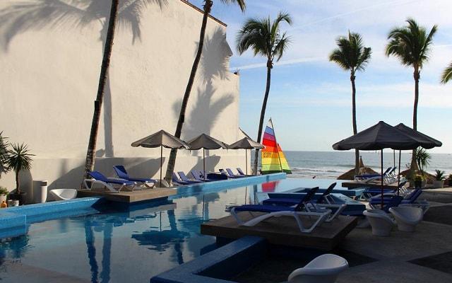 Star Palace Beach Hotel, disfruta y relajate en la alberca