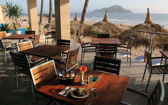 Star Palace Beach Hotel, disfruta de un desayuno con vistas panorámicas