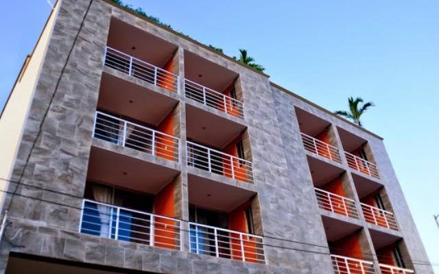 Sunrise 42 Suites Hotel, buena ubicación