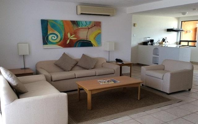 Sunrock Condo Hotel, relájate en la sala