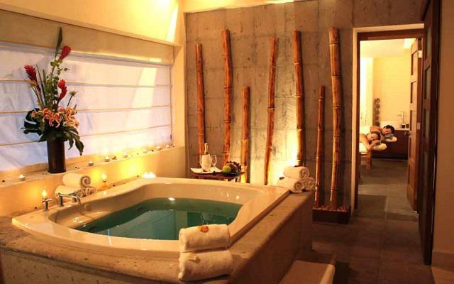 Durante tu estancia aprovecha un momento para visitar el spa