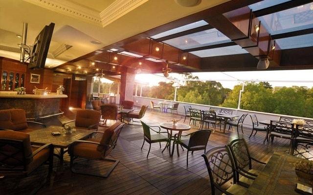 The Green Park Hotel, relájate en la terraza
