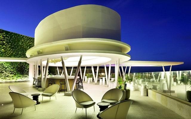 TRS Coral Hotel, relájate en el sky bar