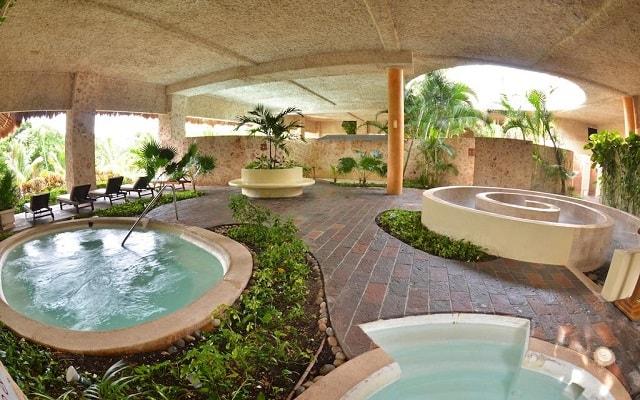 TRS Yucatan Hotel Sólo Adultos, relájate en el jacuzzi