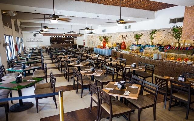 Tukan Hotel & Beach Club, Restaurante La Ceiba