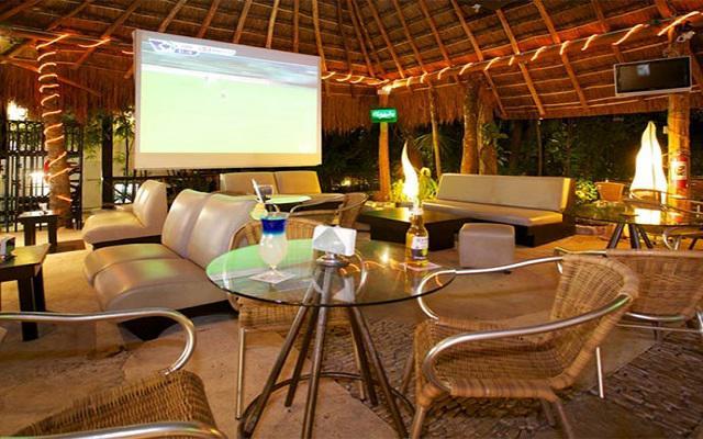 Tukan Hotel & Beach Club, Living Garden Bar