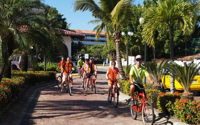 Vamar Vallarta All Inclusive Marina and Beach Resort, disfruta un paseo en bicicleta