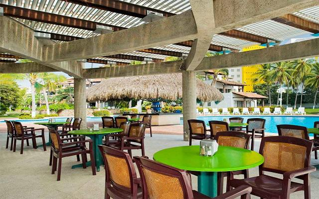Vamar Vallarta All Inclusive Marina and Beach Resort, Bar Caracol