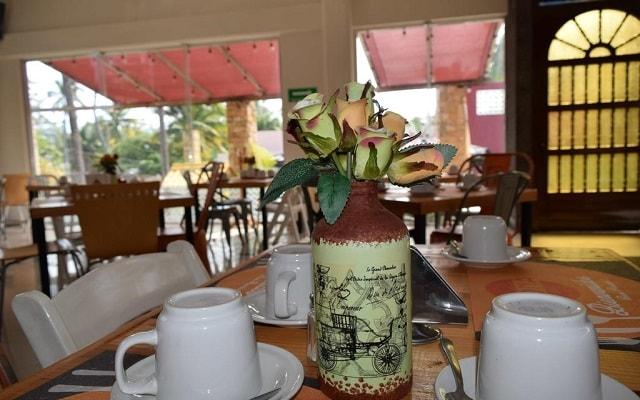 VF Villa Florencia Hotel, comienza tu día con un rico desayuno
