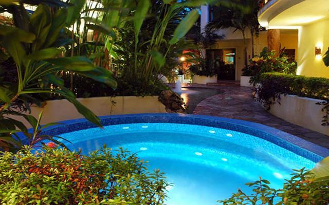 Villas Sacbe Condo Hotel and Beach Club, disfruta de su alberca al aire libre