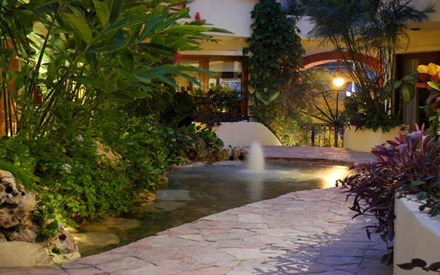 Villas Sacbe Condo Hotel and Beach Club en Playa del Carmen