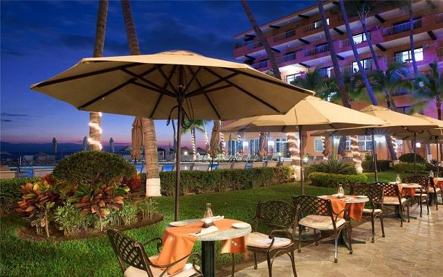 Villa del Palmar Beach Resort and Spa, Restaurante Palmita Market and Deli