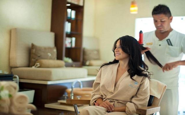 Villa del Palmar Flamingos Beach Resort and Spa, permite que te consientan en el salón de belleza