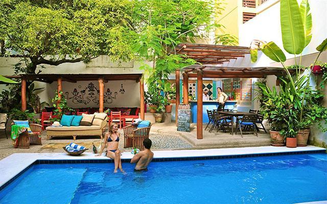 Villa Mercedes Petit Hotel Sólo Adultos, disfruta de su alberca al aire libre