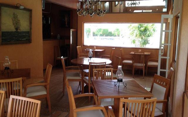 Tres opciones de restaurantes dentro de la propiedad