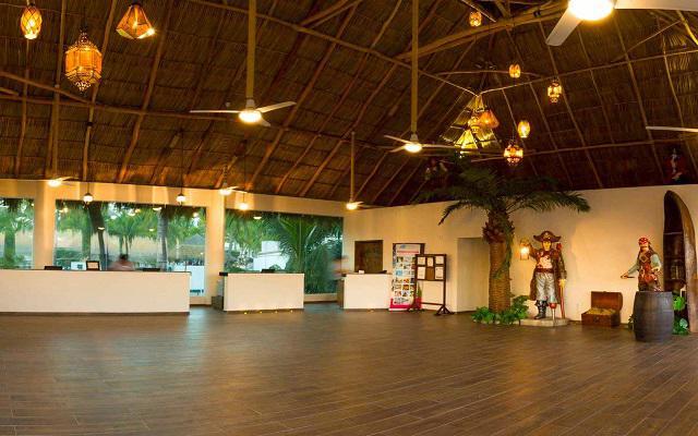 Hotel Vista Playa de Oro, atención personalizada desde el inicio de tu estancia