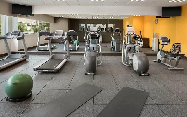 Hotel wyndham garden guadalajara acueducto oferta de hoteles for Gimnasio abierto