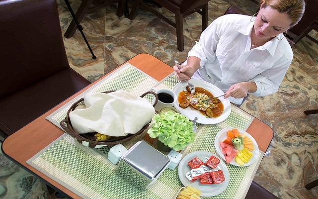 Hotel Zar Mérida, desayuno en cortesía