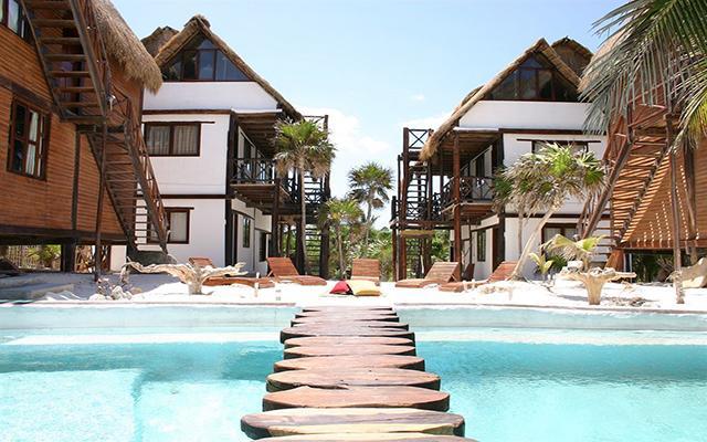 Zulum Beach Club and Cabañas, disfruta de su alberca al aire libre