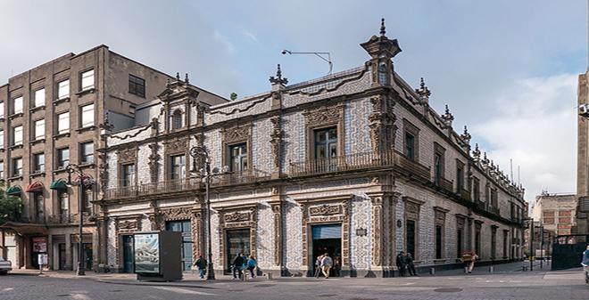 Monumentos en la ciudad de m xico for Casa de los azulejos ciudad de mexico