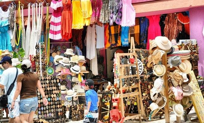 Mercado Coral Negro Cancún