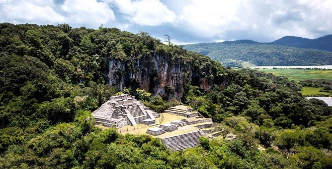 Zona Arqueológica de Chinkultic Chiapas