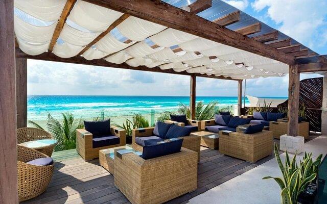 ¡Especial Viaja a Cancún! Vuelo y Hotel Flamingo Cancún Resort saliendo desde CDMX