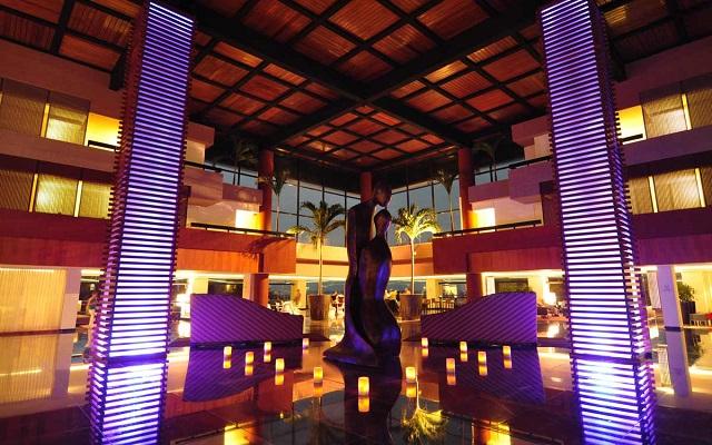 Tour Columbus Lobster Dinner Night + Hotel Grand Oasis Sens