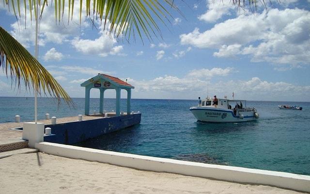 Ferry a Cozumel + Hotel Cozumel & Resort