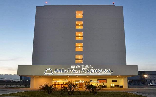 Hotel Misión Express Monterrey Aeropuerto La Fe con desayuno incluido