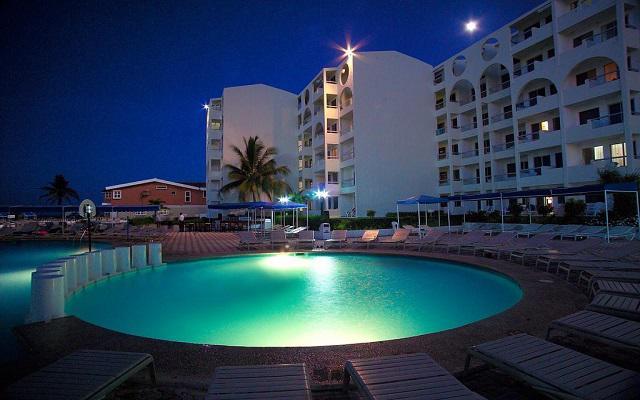 Vuelo y Hotel Aquamarina Beach saliendo desde CDMX