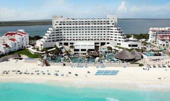 ¡Viaja a Cancún! Vuelo y Hotel Royal Solaris Cancún saliendo desde CDMX