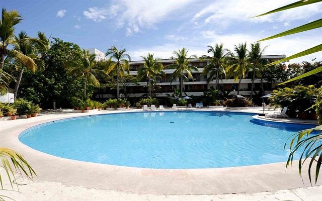 Vuelo y Hotel Villas Paraiso Ixtapa saliendo desde CDMX
