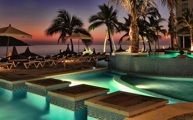 Vuelo y Hotel Oceano Palace Mazatlán saliendo desde MTY