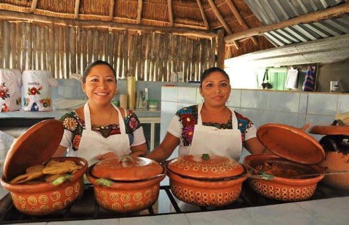 Todo preparado por cocineras Yucatecas
