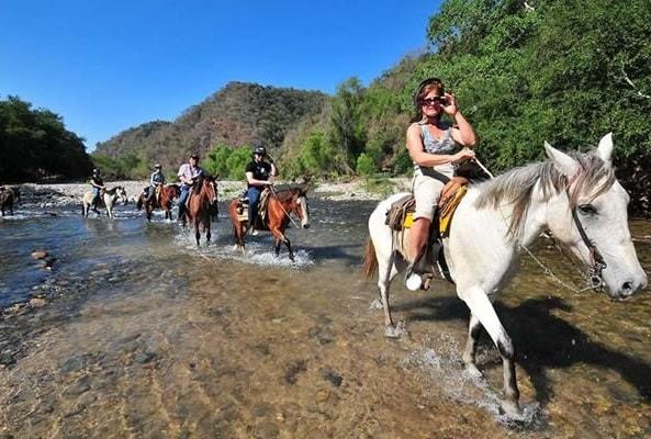 Aguas Termales de Atotonilco y Paseo en Caballo