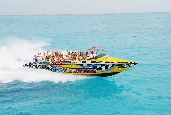 Aquatwister Lancha Rápida en Cancún