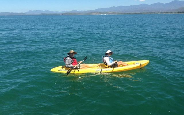 Praticar snorkel o kayak en la Isla de Ixtapa