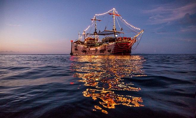 Resultado de imagen para viaje en barco pirata cancun