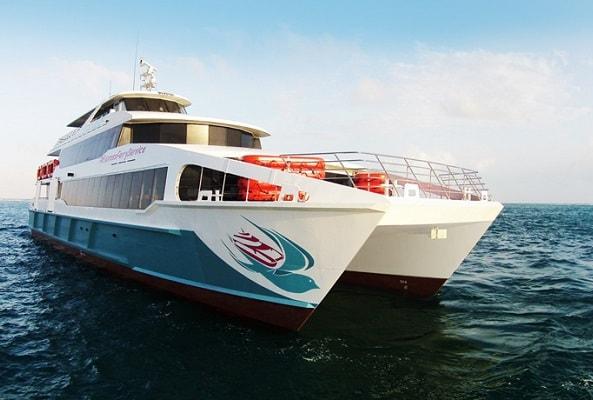 Barcos Caribe Ferry a Cozumel en Playa del Carmen