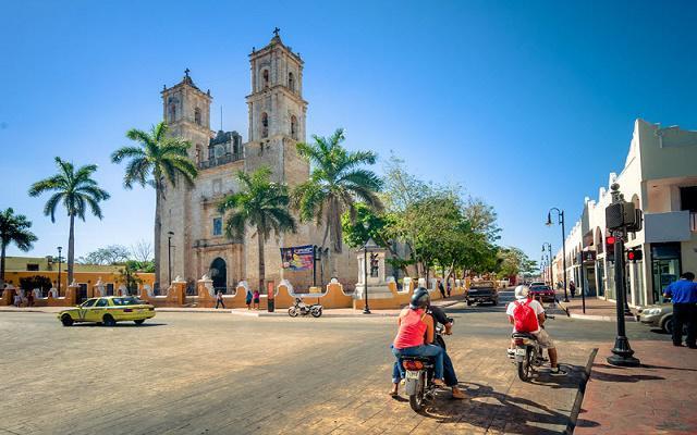 Tour a Chichén Itzá, algunos tours incluyen visita a Valladolid