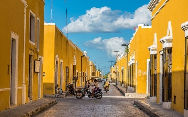 Chichen Itzá Mérida, en algunas opciones podrás visitar Izamal y su Pueblo Mágico